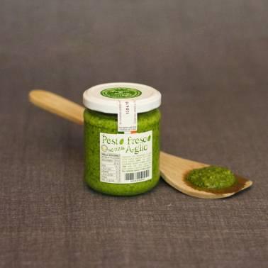 Genoese pesto without garlic - Sauces and pesto
